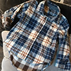 Baby Gap boys flannel button up roll up sleeve 4t
